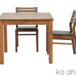 Ahşap Masa ve Sandalyeler