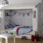 beyaz duvara monte yatakli erkek cocuk yatak modeli