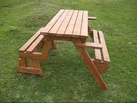 Katlanabilir bank olan piknik masası