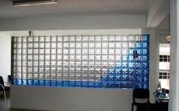 renkli cam tuğla dekoru