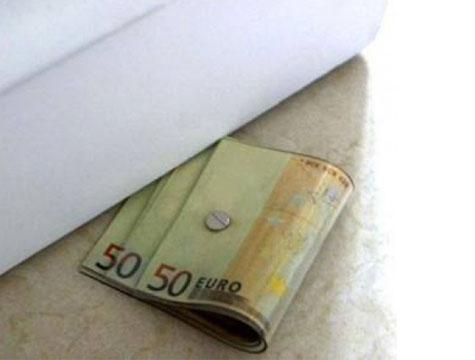 Euro Tasarım Kapı Altı Stoperi 7,90 TL