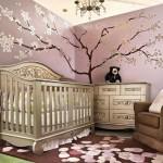 oymalı beşik ile dizayn edilmiş şirin kız bebek odası