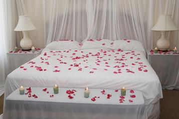 Yatak odası nasıl romantik hale getirilir? - UZMANTV Rehber