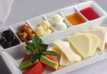 Kahvaltı İçin Şık Servis Tabakları | kadincasayfa.com