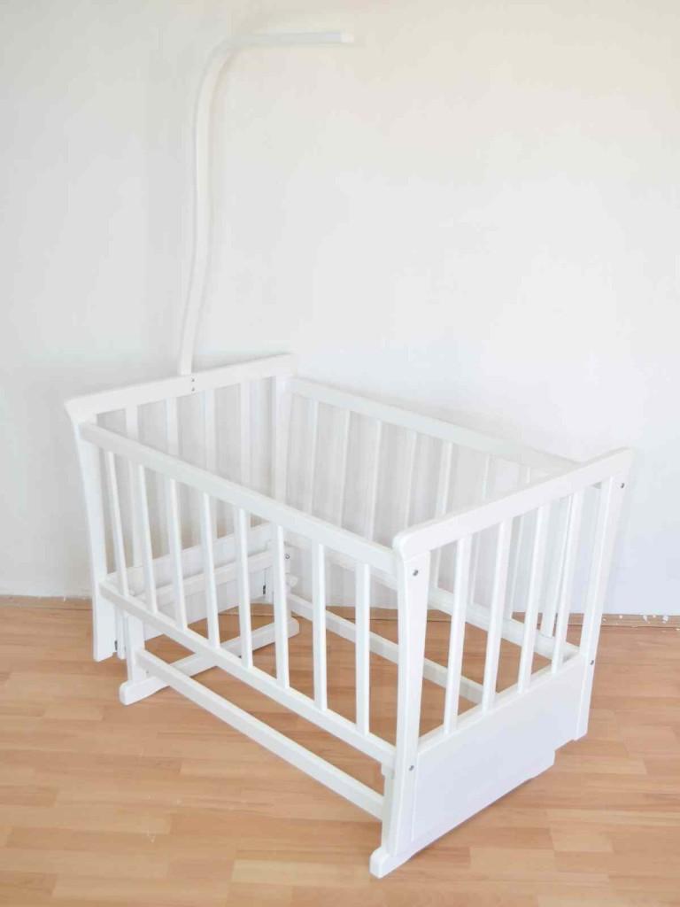 Beyaz Ahşap Bebek Beşikleri