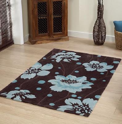 kahverengi mavi çiçekli halı modeli · |